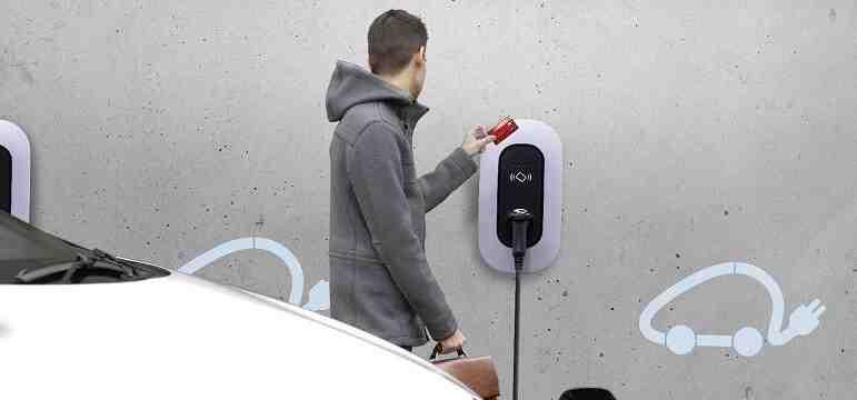 Ou recharger sa voiture électrique gratuitement ? Devis et coût pour votre installation