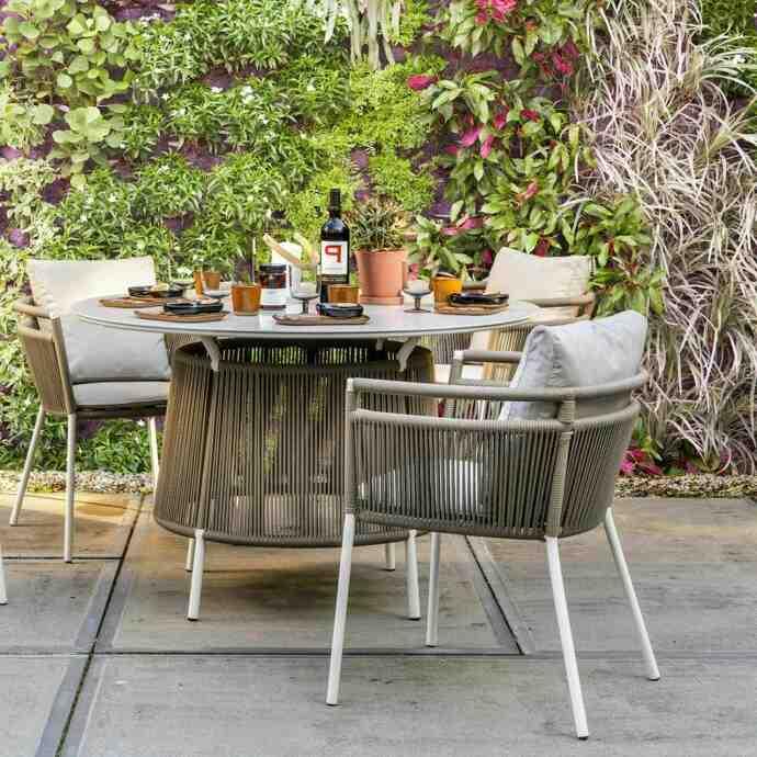 Quelle est la meilleure matière pour une table de jardin ?
